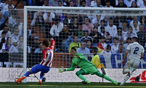 "Real Madrid - Atletico: ""Phóng hỏa"" Bernabeu - 2"