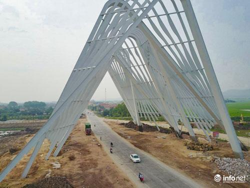 Cận cảnh cổng chào gần 200 tỷ của tỉnh Quảng Ninh - 2