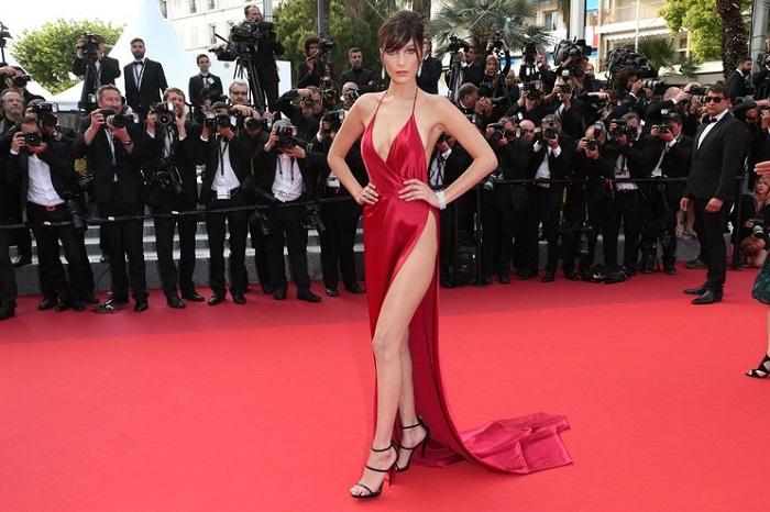 """""""Phát hờn"""" mỹ nữ """"bỏ túi"""" 5 tỷ đồng chỉ 5 phút mặc sexy trên thảm đỏ - 3"""