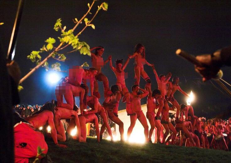 Nghìn người khỏa thân cháy hết mình trong lễ hội Lửa - 6