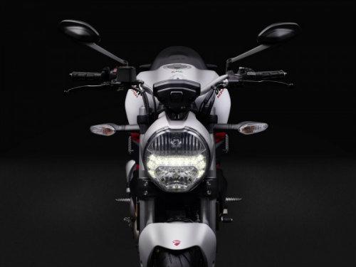 "Suzuki GSX-S750 ""ăn thịt"" đối thủ Ducati Monster 797? - 3"