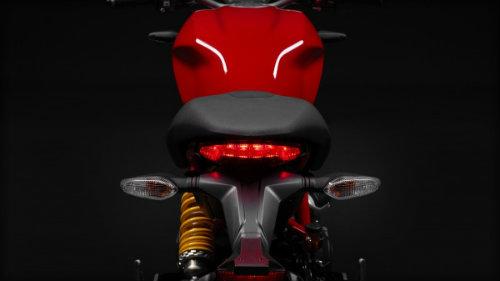 "Suzuki GSX-S750 ""ăn thịt"" đối thủ Ducati Monster 797? - 4"