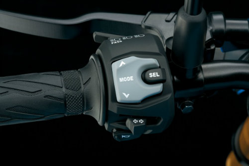 "Suzuki GSX-S750 ""ăn thịt"" đối thủ Ducati Monster 797? - 11"