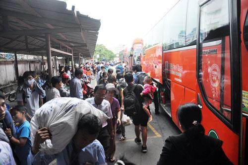Trở lại SG sau nghỉ lễ, người dân thoát khỏi nỗi ám ảnh kẹt xe - 6