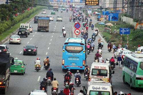 Trở lại SG sau nghỉ lễ, người dân thoát khỏi nỗi ám ảnh kẹt xe - 9