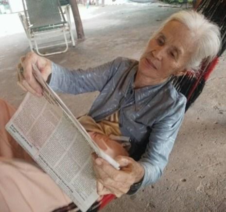 Cụ bà lạc đường, đang tìm người thân ở TP.HCM - 1