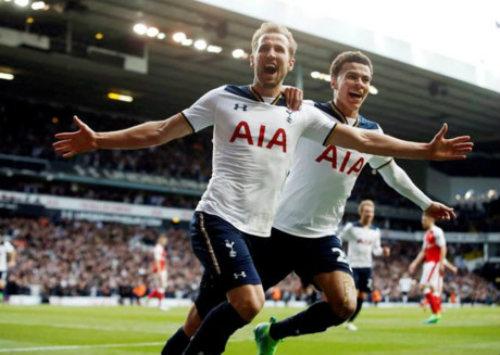 Chelsea còn 4 trận đua Tottenham: Bài học MU - Man City - 2