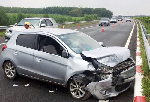 Gần 100 người tử vong vì tai nạn giao thông sau 4 ngày nghỉ lễ - 1