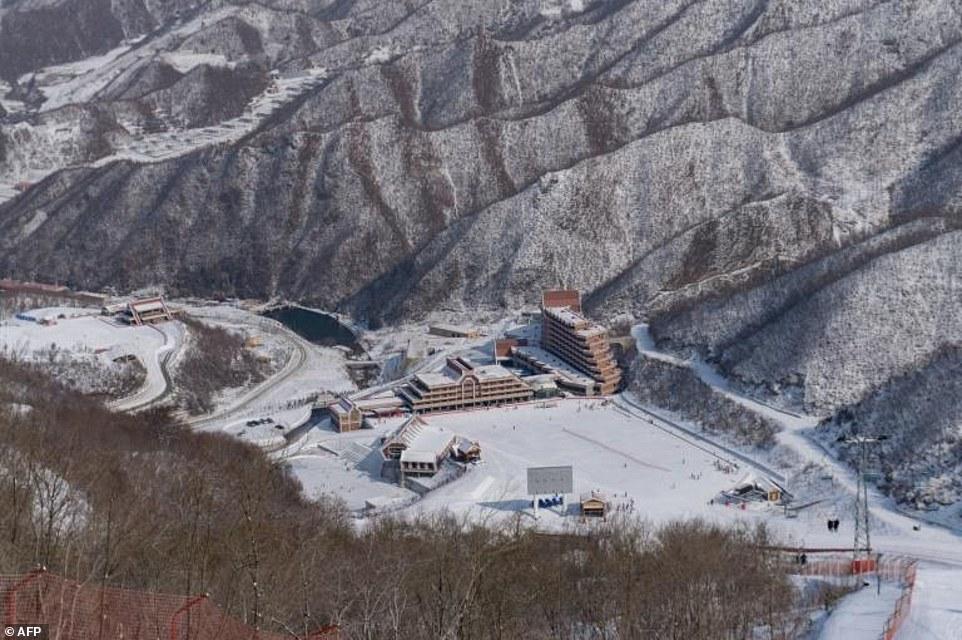 """""""Đột nhập"""" khu trượt tuyết duy nhất của Triều Tiên - 1"""