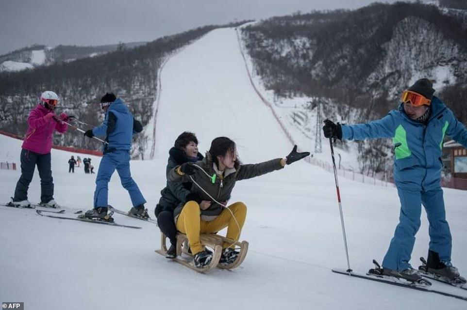 """""""Đột nhập"""" khu trượt tuyết duy nhất của Triều Tiên - 5"""