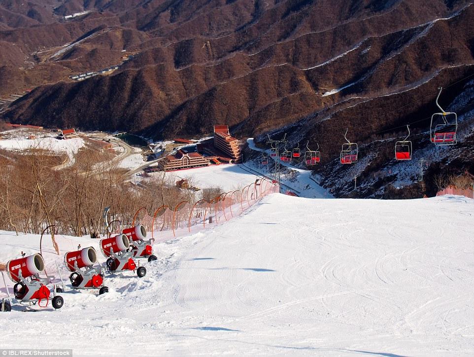 """""""Đột nhập"""" khu trượt tuyết duy nhất của Triều Tiên - 3"""
