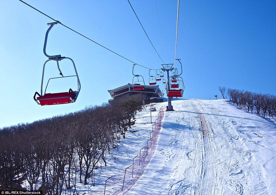 """""""Đột nhập"""" khu trượt tuyết duy nhất của Triều Tiên - 4"""