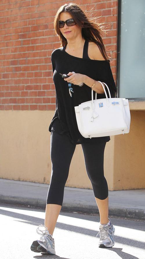 Điều gì khiến  Irina Shayk xách túi Hermes vào tận phòng gym? - 8
