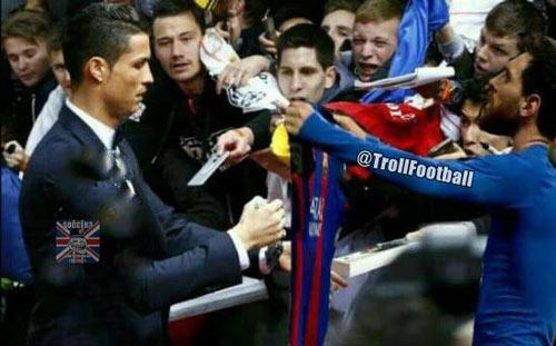 """Ronaldo ăn mừng lạ: """"Khóa miệng"""" fan Real phong trào - 6"""
