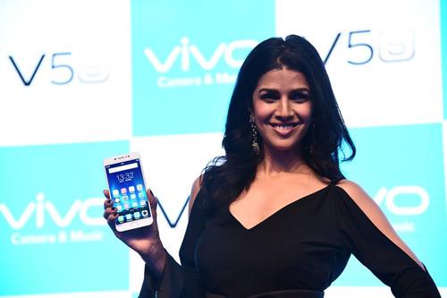Vivo V5s tiếp tục giữ vững tính năng Selfie khủng chưa từng có - 5