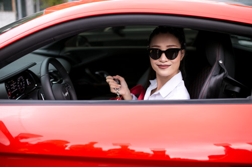 Cận cảnh xế sang 13 tỷ Đông Nhi lái đi chấm thi The Voice - 1