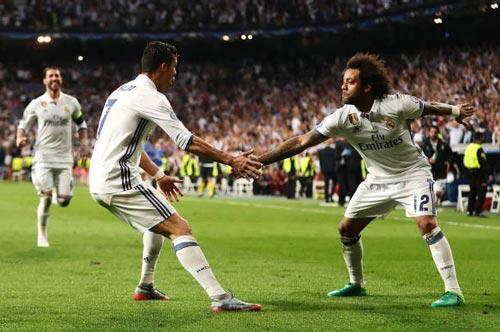"""""""Nhà vua"""" Cúp C1 Ronaldo: Chúa tể của những màn ăn mừng - 4"""
