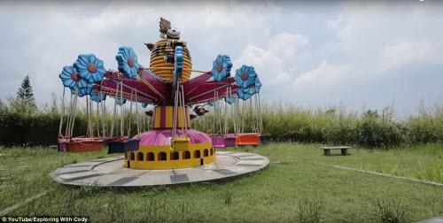 Vẻ đẹp ma mị bên trong công viên bỏ hoang ở Philippines - 10