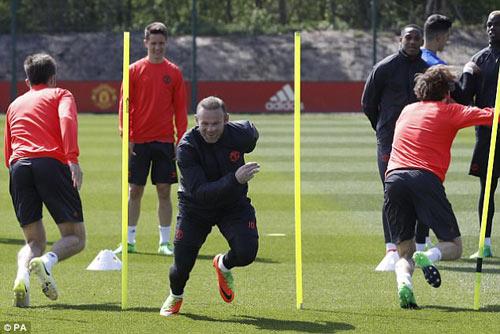 """Europa League: MU hết """"bế tắc"""", Mourinho chờ """"nở hoa"""" - 11"""