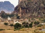 Du lịch - Cuộc sống lạ lùng ở quốc gia bí ẩn nhất châu Phi