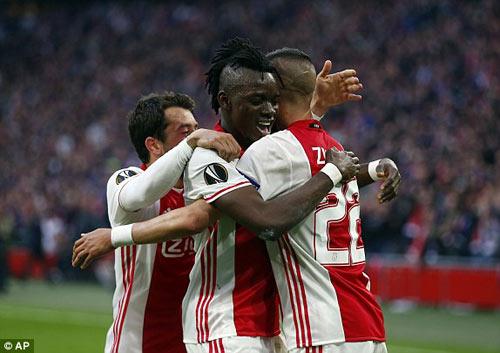 Ajax - Lyon: Đôi công những màn bắn phá rung chuyển - 1
