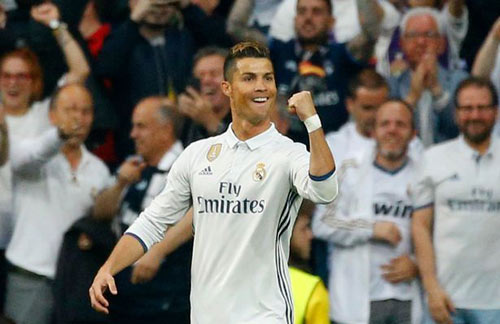 Ronaldo: Ghi hat-trick siêu khủng, bị kiểm tra doping - 2