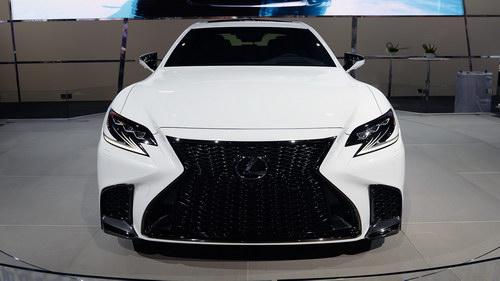 """Lexus LS500 2018 cực """"ngầu"""" trong bộ cánh F Sport - 6"""