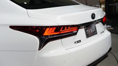 """Lexus LS500 2018 cực """"ngầu"""" trong bộ cánh F Sport - 5"""