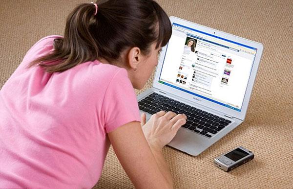 Rình rập con trên mạng xã hội, phụ huynh nhận trái đắng - 1