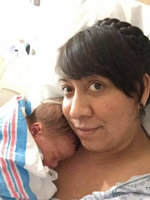 Sự thật về bé sơ sinh nắm chặt vòng tránh thai gây sốt - 4