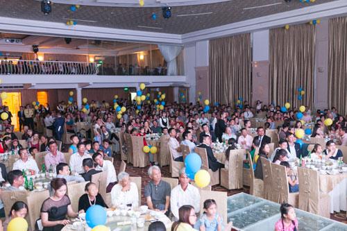 Gần 1000 khách hàng tham dự Gala kỷ niệm 8 năm thành lập Phú Gia Thịnh - 1