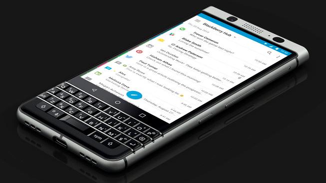 BlackBerry KEYone so kè cùng Galaxy S8 - 3