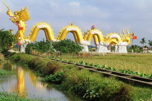 Cận cảnh phủ thờ không phép có đôi rồng khổng lồ ở Thái Bình - 2