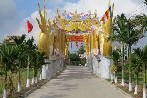 Cận cảnh phủ thờ không phép có đôi rồng khổng lồ ở Thái Bình - 3