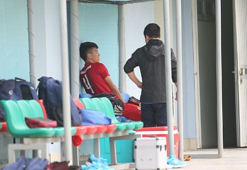 Công Phượng, Tuấn Anh động viên đàn em U20 Việt Nam - 6
