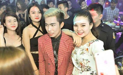 Tùng Sơn đi diễn cùng Duy Mạnh, HKT: Khán giả la ó vẫn quẩy nhiệt tình - 5