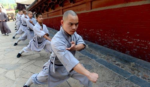 Võ Trung Quốc bị MMA sỉ nhục: Nghìn năm lừng lẫy, giờ như phù du - 2