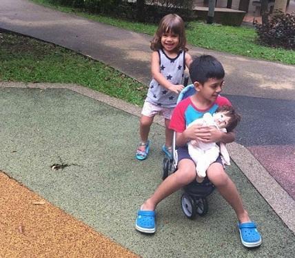 """Bà mẹ Singapore dạy con """"ngược đời"""", nhiều người gật gù vì quá đúng - 1"""
