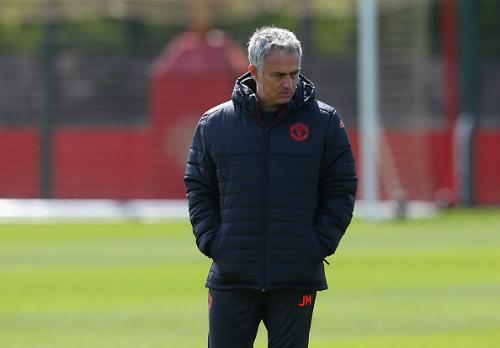 """Mourinho xây """"bàn đạp"""": MU sẽ vô địch Premier League - 1"""