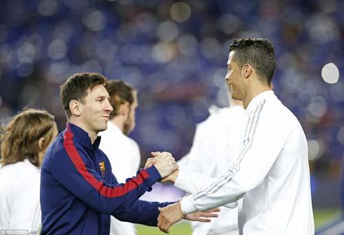Tin HOT bóng đá tối 4/5: Người Argentina khen Ronaldo giỏi như Messi - 1