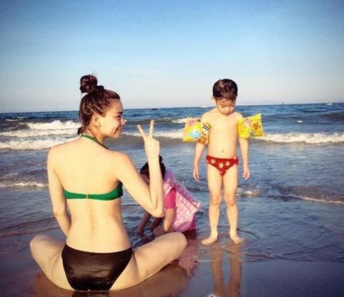 Hot nhất ngày: Hà Hồ tung ảnh bikini lộ đùi thon, chân nuột - 9