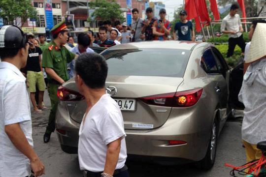 Gây tai nạn, Viện trưởng VKS huyện rời xe với nhiều vết máu - 2