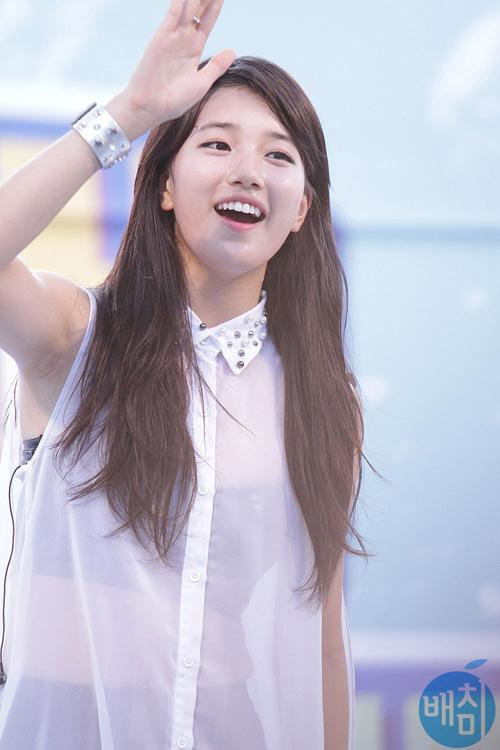 Bạn gái Lee Min Ho khiến fan nóng mắt vì quá gợi tình - 8