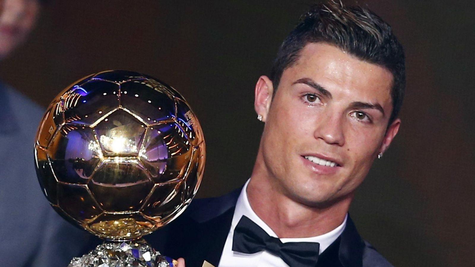 """Cristiano Ronaldo đã xứng là """"Người ngoài hành tinh""""? - 1"""