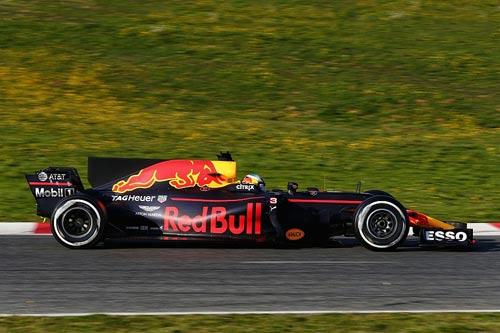 """Đua xe F1: Tranh cãi vì """"vây cá mập"""" và hiểm họa chết người - 2"""