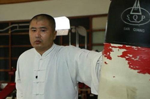 Chấn động MMA: Võ Trung Quốc bị sỉ nhục bởi nhân viên massage - 1