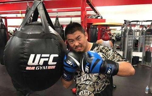 Chấn động MMA: Võ Trung Quốc bị sỉ nhục bởi nhân viên massage - 3