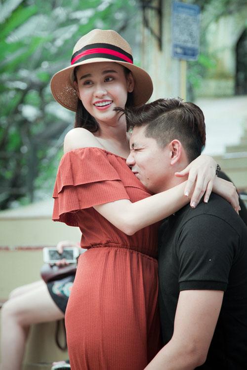 Không ngờ vợ chồng Tim - Quỳnh Anh lại vô tư tình tứ trước con thế - 3