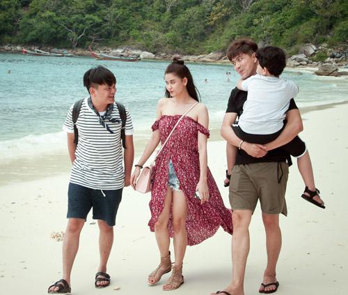 Không ngờ vợ chồng Tim - Quỳnh Anh lại vô tư tình tứ trước con thế - 9