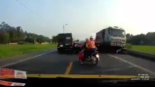 Nóng trong ngày: Chân dung tài xế xe tải cán chết 2 anh em ruột ở Bắc Giang - 1
